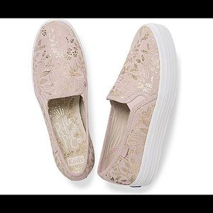 Keds - Size 9.5 in Forest Blush, New in Box